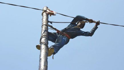 Electricity Finally Arrived in Kivumu!