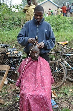 """Hairdresser"" at the market - Voila!"